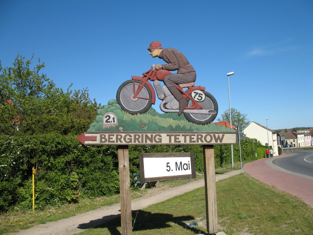 Bild utanför Teterow Bergring, en av världens mest klassiska arenor för motorsport.